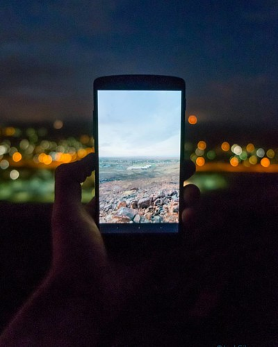 Day to night. While I was doing a #timelapse with my #canon, I decided to do a different version of that old Instagram #cliché. You know, the picture of a phone taking a picture. Done. . . Made with my #fujixe1. . #Karratha #Pilbara #westernaustralia #aus