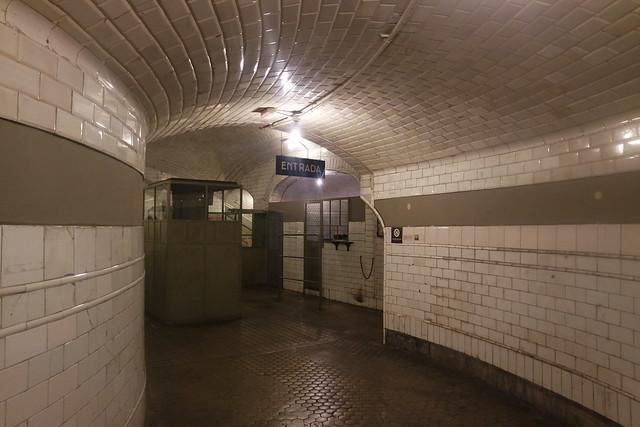 Entrada a la Estación de Chamberí