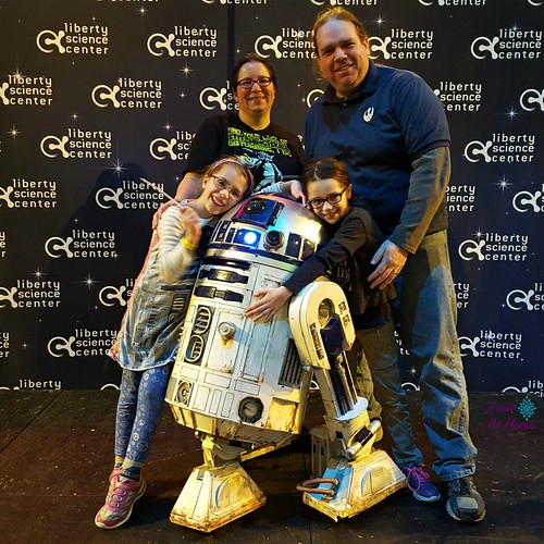 Family-and-R2D2-LSC-Star-Wars-Day-2016