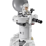 LEGO Star Wars 75098 Ultimate Collector's Series Assault on Hoth 09