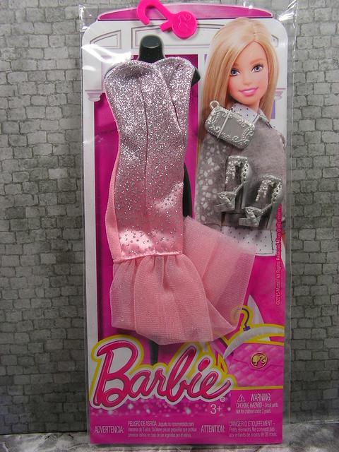 2015 Barbie Fashion DMF51