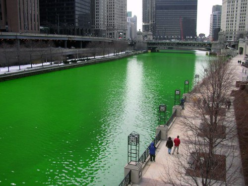 St. Patty Day Chicago River Green 2 031716