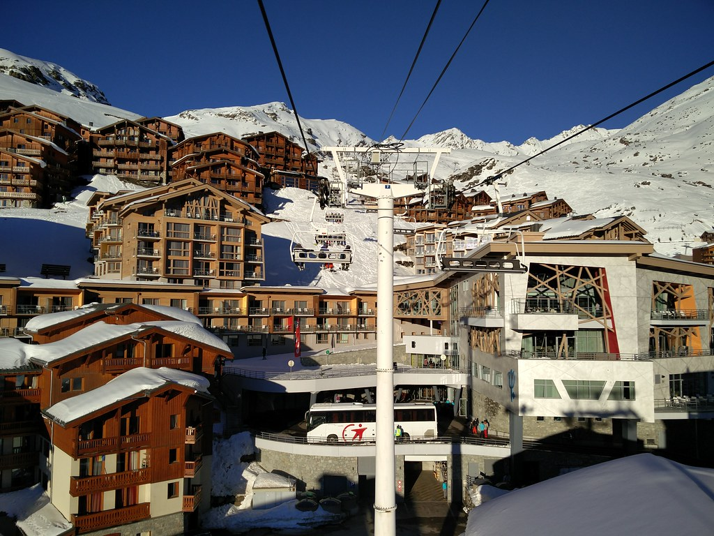 Chairlift in Val Thorens
