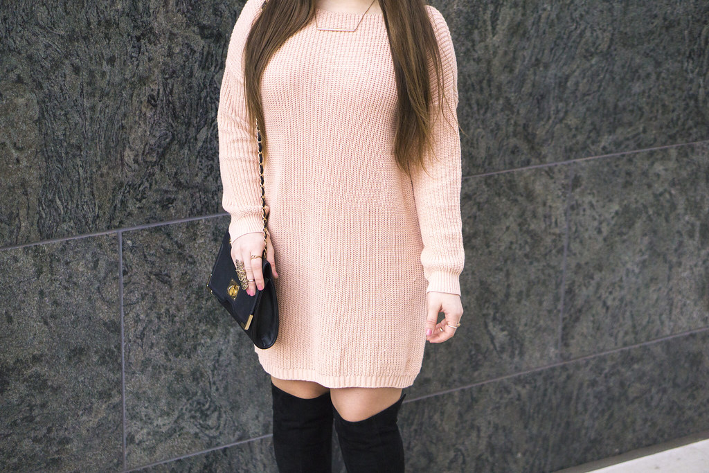 pinkoversizedjumperclosuup