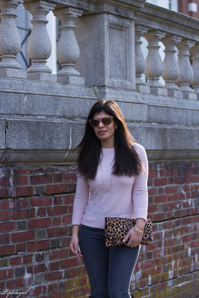 pink sweater, grey jeans, leopard clutch, black boots-4.jpg