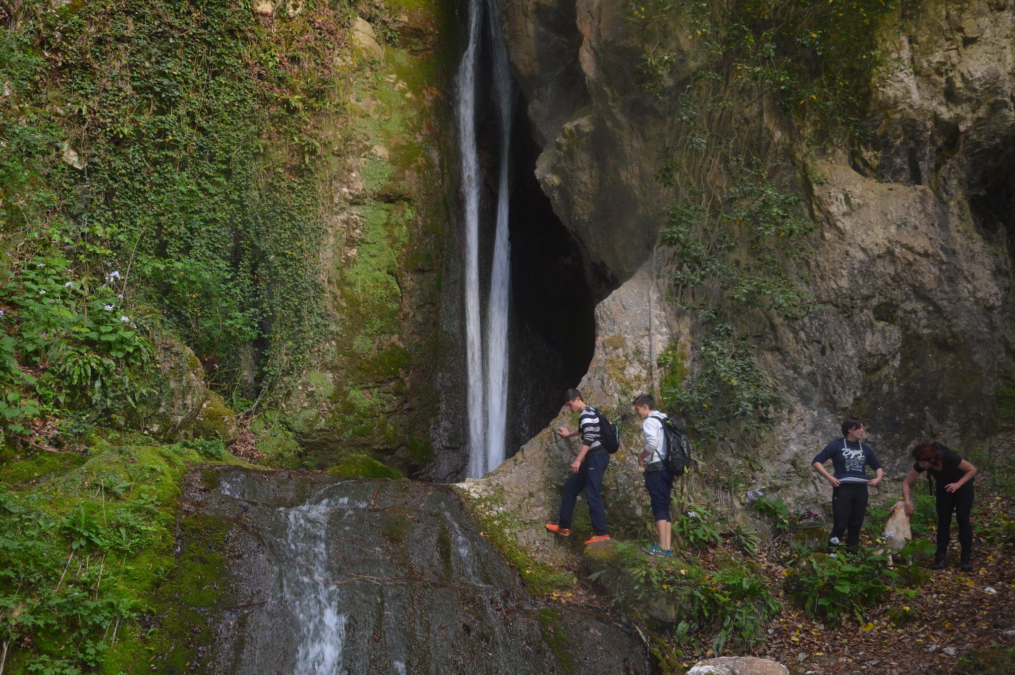 Tura 14 - Pot štirih slapov