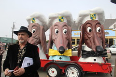 John Law and the Doggie Diner Heads