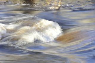 川 by pixabay