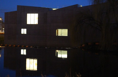 The Hepworth Wakefield at night
