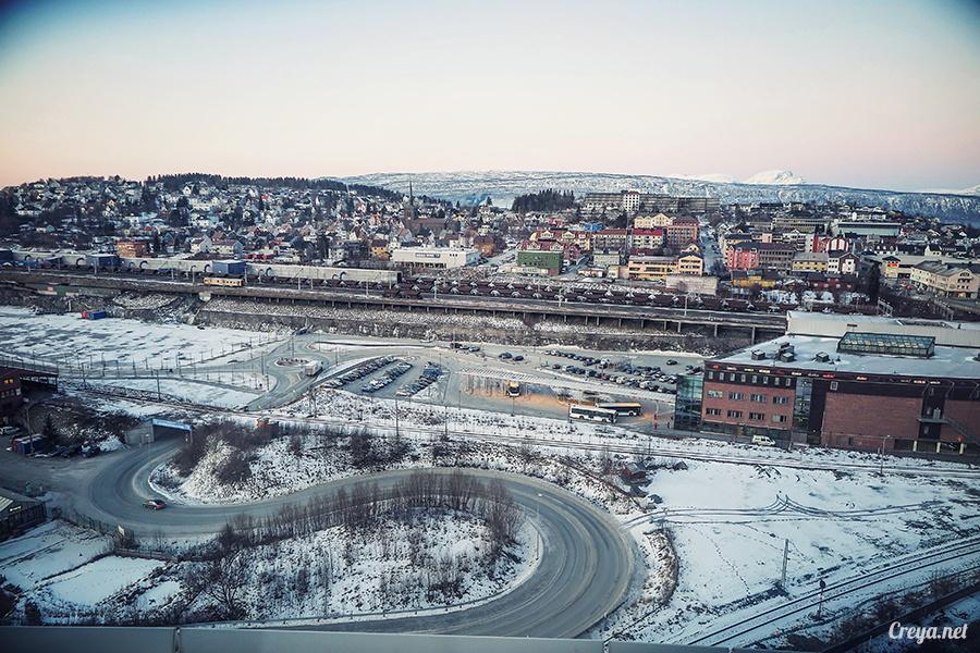 2016.02.23▐ 看我歐行腿 ▐ 阿呀~一不小心就從瑞典到了挪威, Narvik 小鎮遇見地理課本中的峽灣 31.jpg