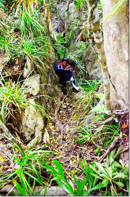 攀登巨岩溝壑區 2