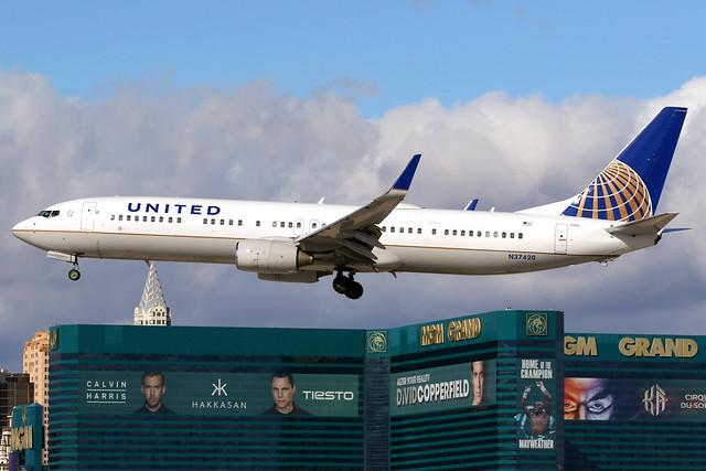 United Airlines | Boeing 737-900ER | N37420 | Las Vegas McCarran