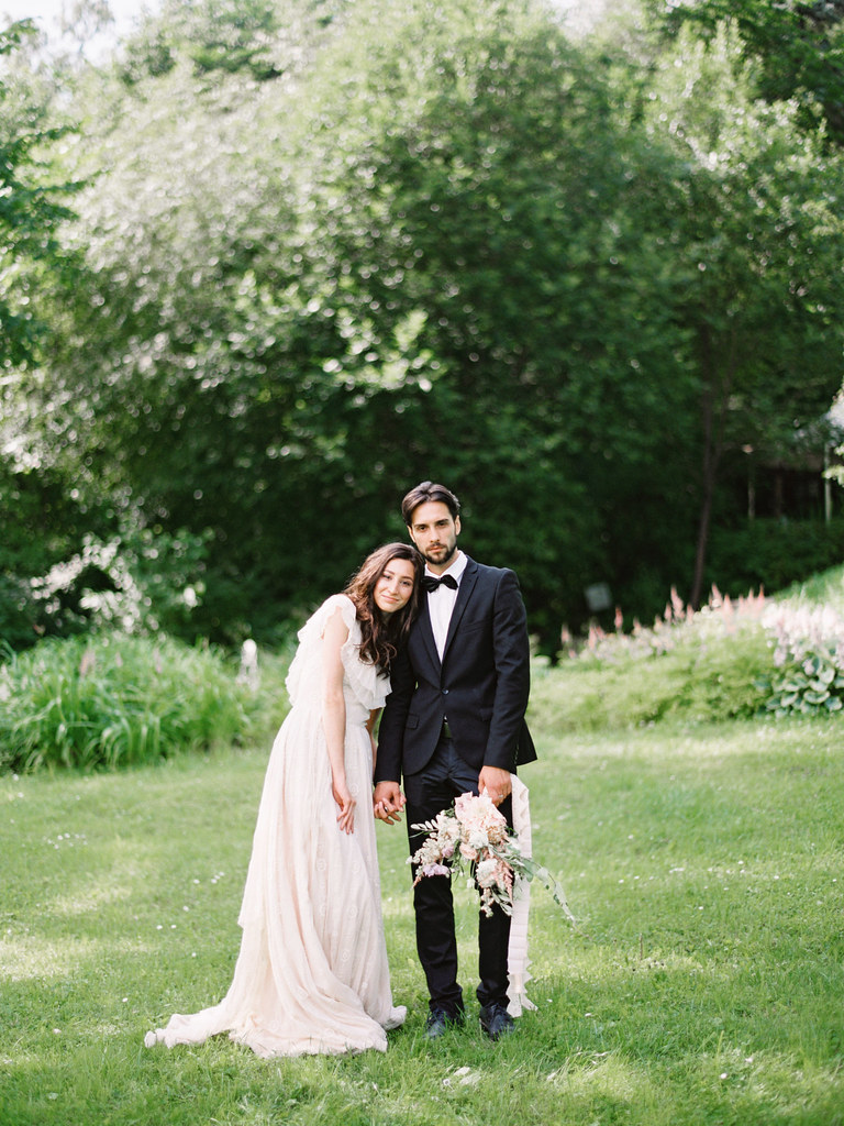 Bride and groom | photo by Elena Pavlova | Fab Mood - UK wedding blog #styledshoot