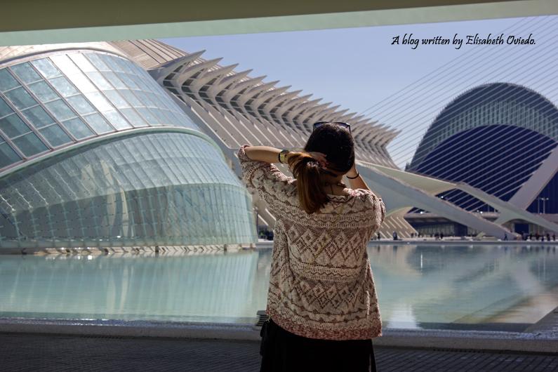 heelsandroses ciudad de las artes y las ciencias valencia little black dress (5)