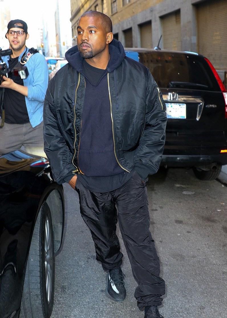 Kanye West Yeezy Dressing (3)