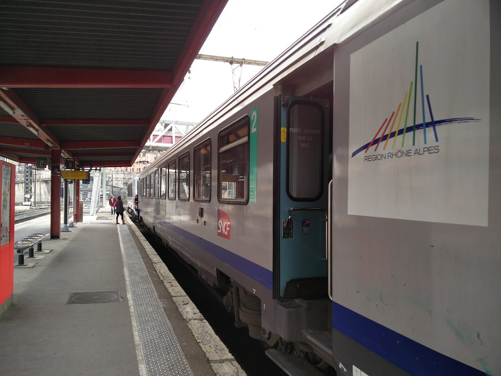 Train serving the Rhone-Alpes