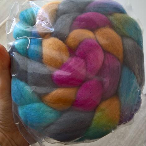 Dutch wool diva spinning fiber