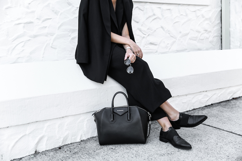 all black street style office work wear inspo suit Givenchy Antigona medium fashion blogger modern legacy  (10 of 11)