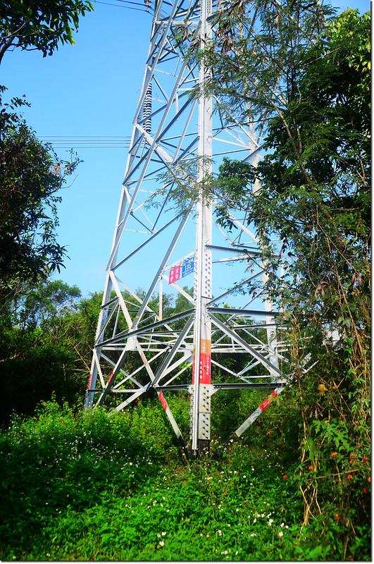 加路卡恩山高壓輸電塔