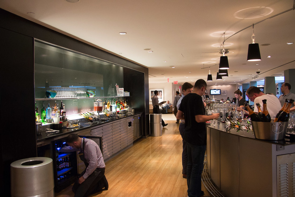 British Airways Business Class Lounge at JFK | Serving Cathay Pacific passengers