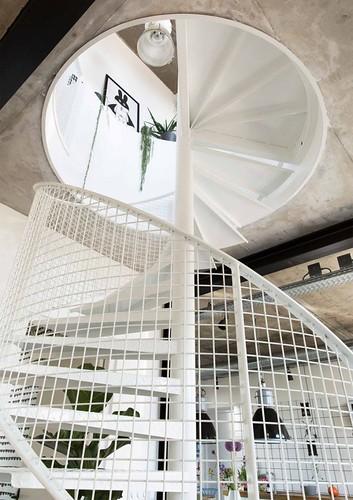 08-escalera-caracol-estilo-industrial