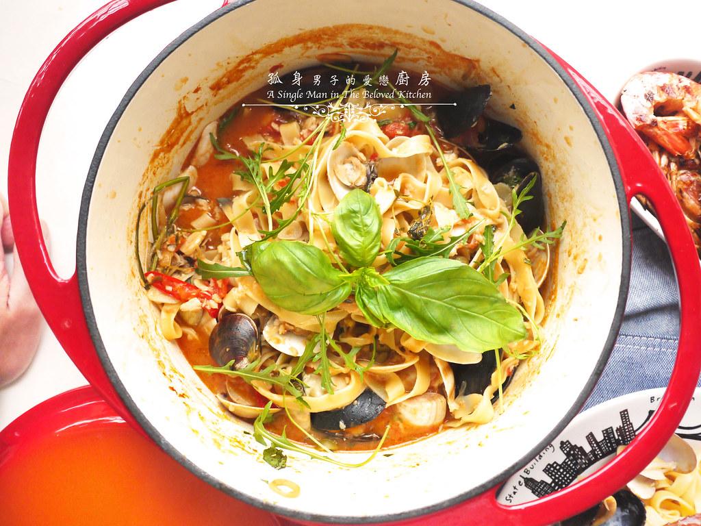 孤身廚房-寶迪鍋一鍋到底茄汁綜合貝類義大利麵佐烤天使紅蝦與櫛瓜33