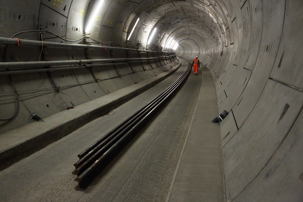 Long welded rail in tunnel_229056 | © Crossrail Ltd
