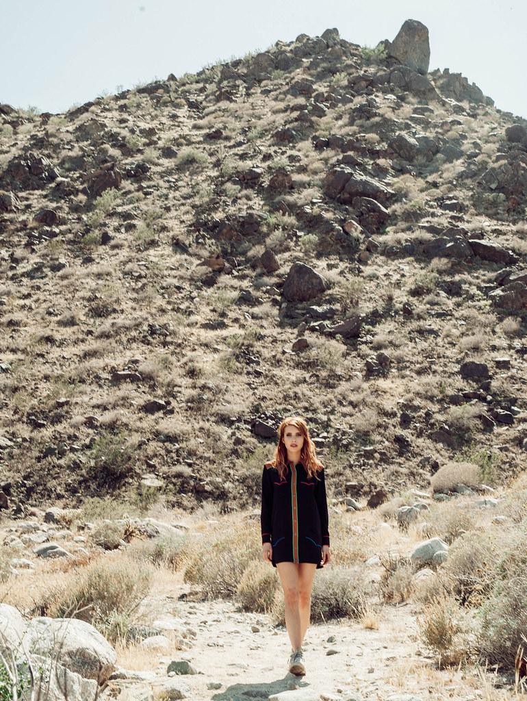 Эмма Робертс — Фотосессия на «Coachella» 2016 – 7