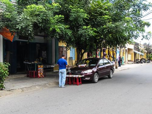 Hoi An: cérémonie de bénédiction de sa voiture