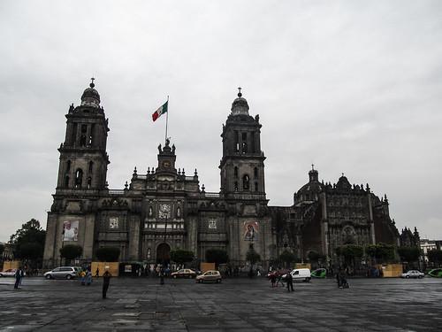 Mexico City: le Zócalo et sa Cathédrale Métropolitaine sous la pluie
