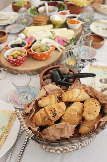 Aylin kuşlu kahvaltı sofrası 011