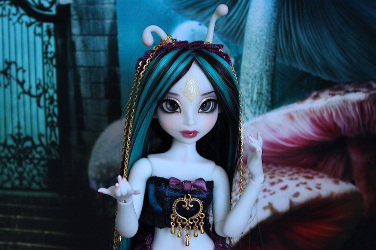 My blue Caterpillar (Aria Mystic Dolls)  25609995870_f8f00dd3f3_b