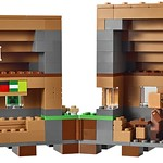 LEGO Minecraft 21128 The Village 09