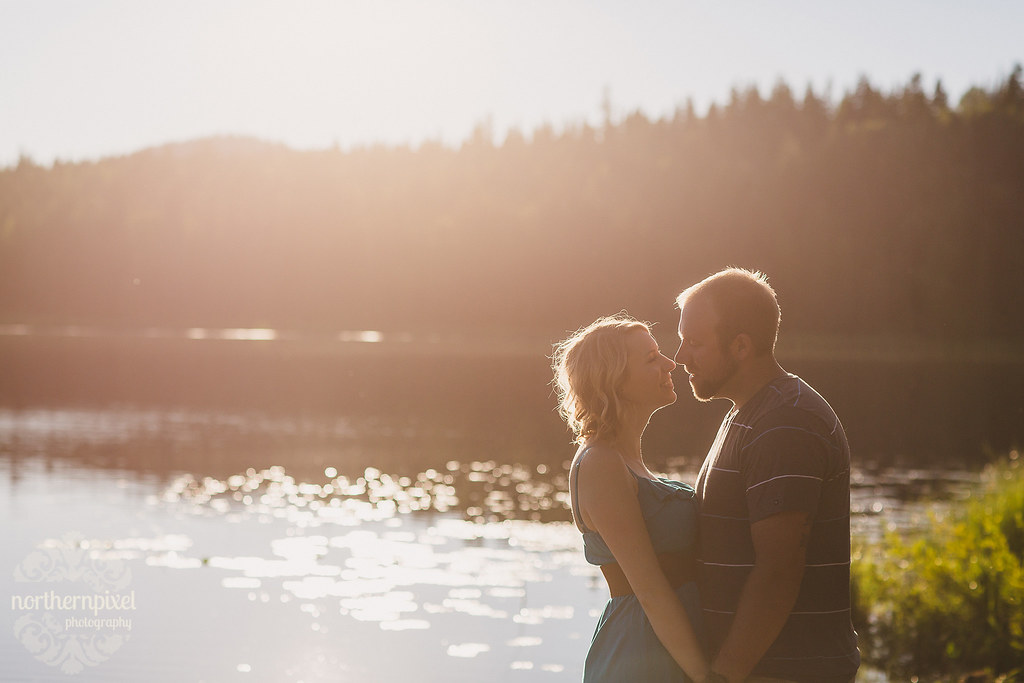 Engagement Photos at the Lake