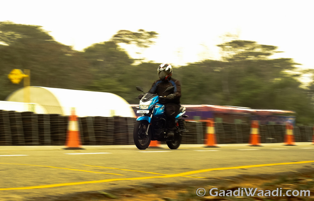 2016 TVS Victor Test Ride Review-4