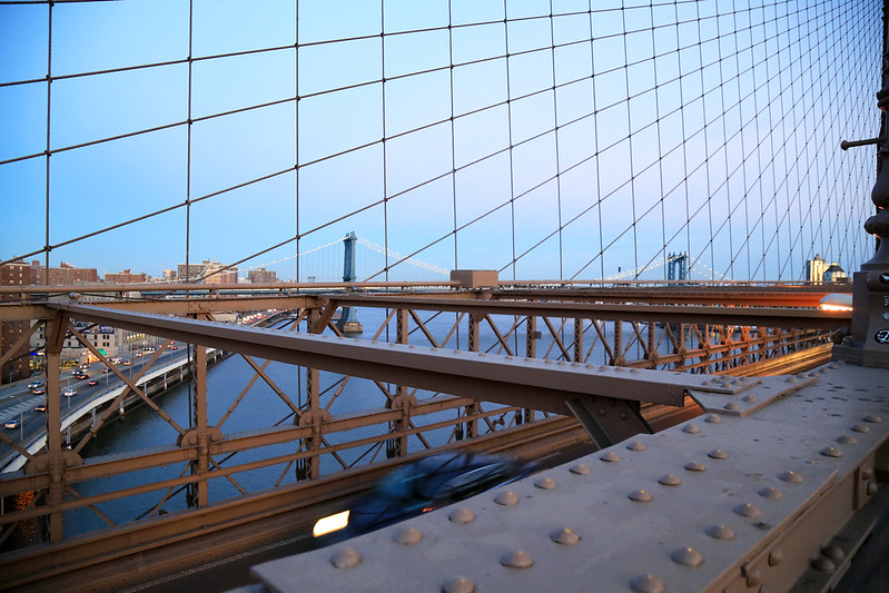 walking on brooklyn bridge