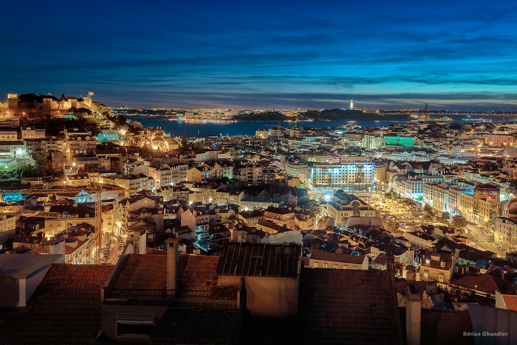 Lisbon at Night by Adrian Chandler on Flickr