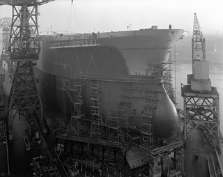 Painting the bow of 'Naess Crusader'