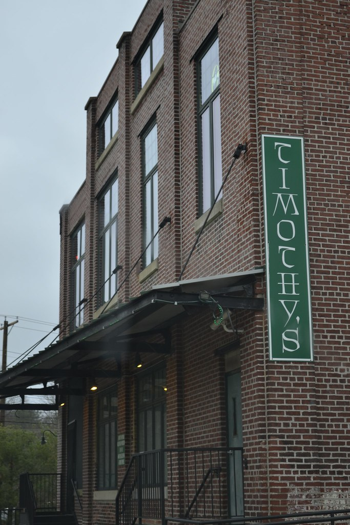 Timothy's of Newark suspends college night