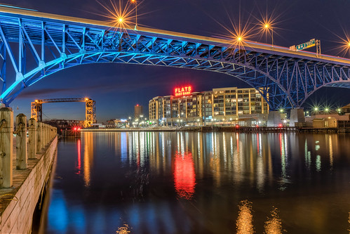 city longexposure bridge blue winter sunset ohio sky reflection clouds reflections river geotagged evening nikon unitedstates cleveland bluehour hdr cuyahogariver mainavenuebridge nikond5300