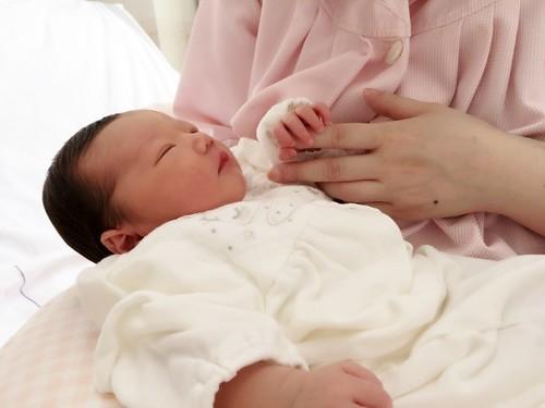 産後 授乳 ママ