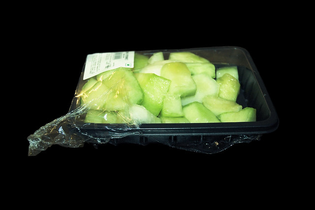 freephotoindia.blogspot.com - Sliced Musk Melon in Plastic box packing-Baljeet-Singh-delhi