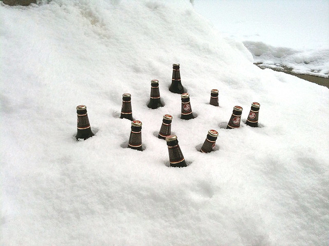 beer-in-snow