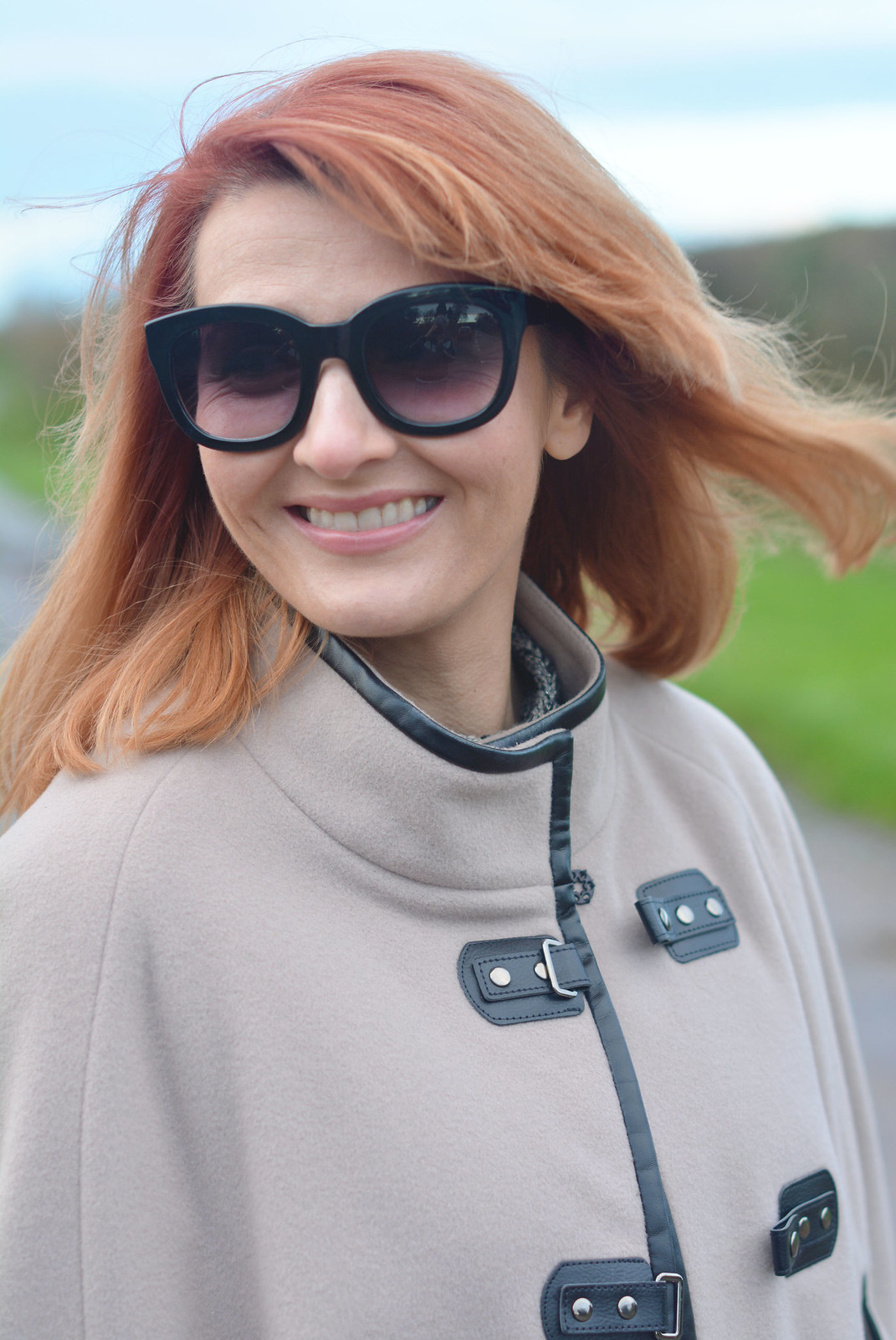 Winter Style | Camel cape, cat eye sunglasses