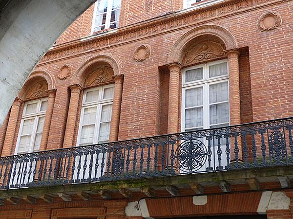 colonnes et balcons