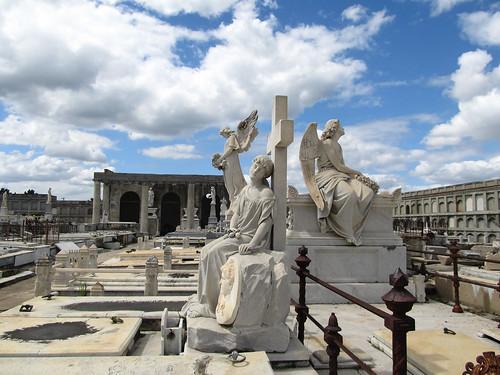 Cienfuegos: el Cemeterio de la Reina et ses statues