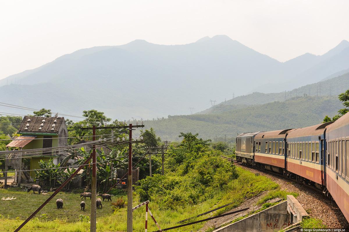 vietnam_reunification_express_train-41