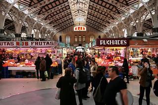 Kuva Central Market lähellä Valencia. españa valencia spain market mercado crowded mercadocentral comunidadvalenciana comunitatvalenciana