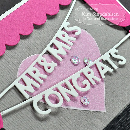 TE Mr. & Mrs. Congrats Banner CloseUp