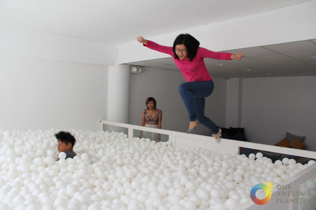 Ball Pit Manila Adult Playground Cafe Filled With 80 000